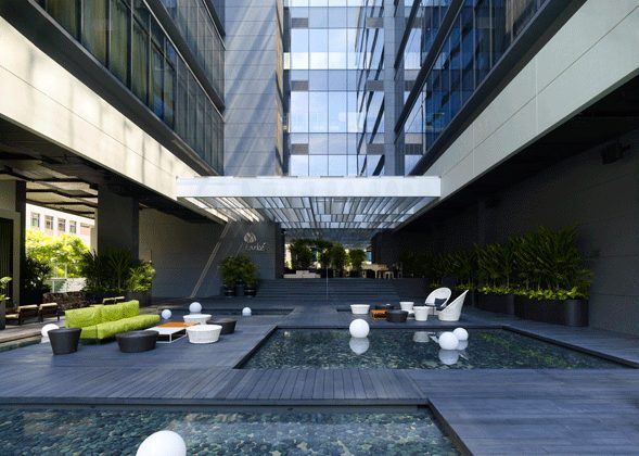 A mere stone's throw away from the Singapore River, Studio M Hotel is in the heart of entertainment districts like Clarke Quay, Boat Quay and Robertson Quay, with architectural features that collectively paint an image of a ship moored by the riverside. (ONG&ONG)