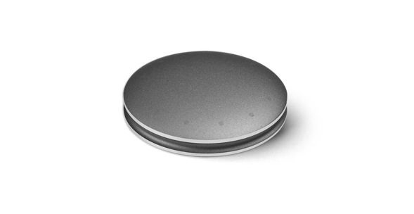 Shine is used globally as a physical activity tracking device and syncs seamlessly with mobile devices