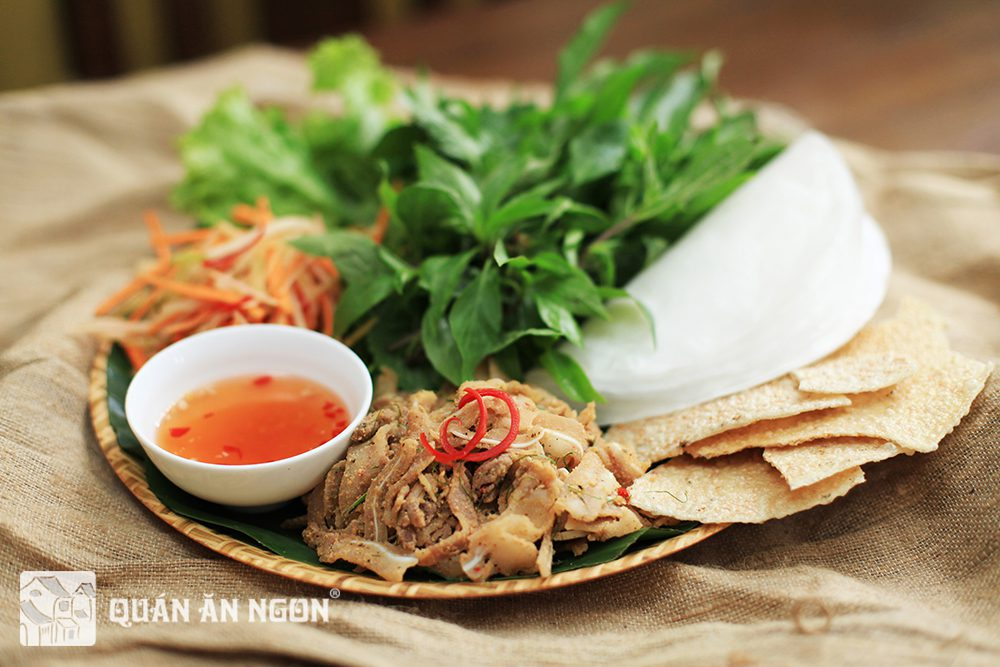 In order to leverage on the diverse Vietnamese traditional cuisine, from early 2014, we have been asking thousands of our employees to introduce about specialties from their homeland, encouraging their pride of their hometown.