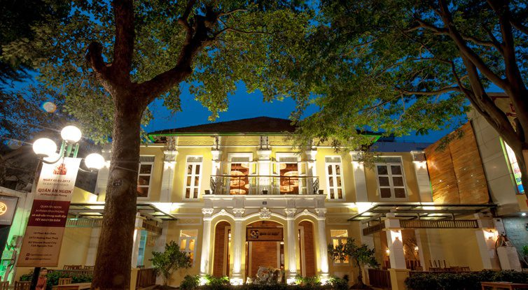 The third Ngon Restaurant in Phan Dinh Phung brings to customers the experience of Indochina, classier and quieter. (Photo source: www.citypassguide.com)