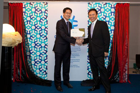 Presentation of Brand Certificate to Cyclect MD Mr Melvin Tan by Mr Lawrence Chong, CEO of Consulus. Cyclect is now officially ready to shape the world.